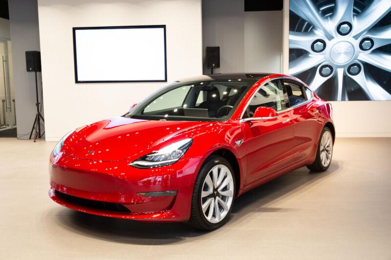テスラ Model3「安くなったら売れるということが証明された」