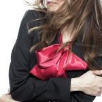 【衝撃】上場企業の部長、女子社員にキスした結果wwwww
