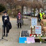 【ヘイト国家韓国】 ベルリン慰安婦像の前で「人種差別をやめろ!」 アトランタ銃撃事件を追悼