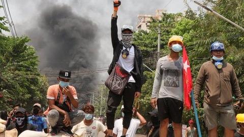 【ミャンマー】軍が抗議者に発砲し、数十人が死亡 「最悪の日」に
