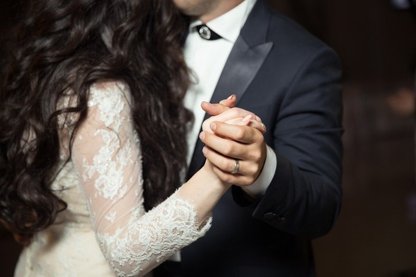 【悲報】生保レディと結婚した結果・・・