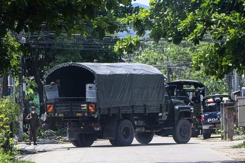 ミャンマー軍、市民にガトリング砲を使用 60人死亡