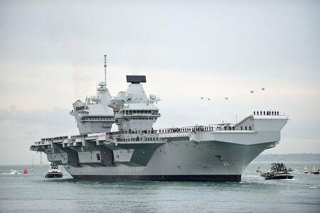 【日英】英国空母(クイーン・エリザベス)打撃群、日本寄港へ 自衛隊と合同演習実施 海洋進出を進める中国に対抗する狙い