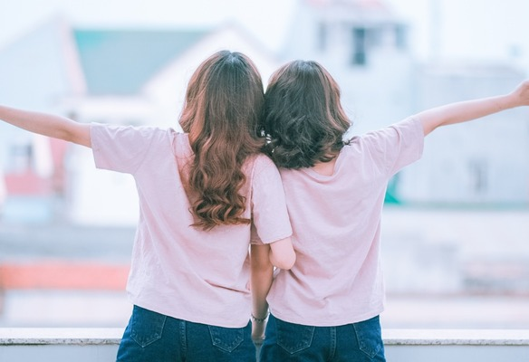 【画像】TWICEサナとダヒョン、現在の姿が美しすぎる!!!!!!