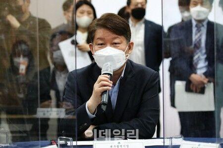【韓国】大邱市長「なぜ米国のワクチン援助に感激する国になったのか…無能な政府」