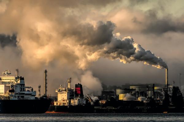 日本、「脱炭素社会」によってEVと炭素税で自動車産業まで失う!?