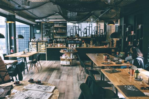 喫茶室ルノアールの「個性が強すぎる」店舗たち……釜飯、サバ味噌を出す店も