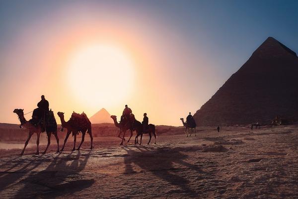 【画像】阿部寛に瓜二つな肖像画がエジプトで発見される!!