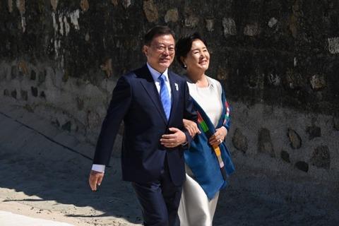 記念撮影にも呼ばれず……G7で相手にされなかった韓国・文在寅大統領の悲しき自己陶酔ブログ