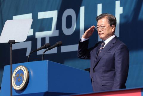 【韓国・文大統領】各国の大使とG7前に歓談…大使「韓国が世界の危機克服に貢献するだろう」 オーストリア国交130周年