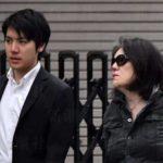 """【激似?】小室圭さん母の写真を観た人から""""ある声""""が続出"""