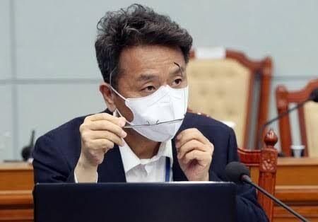 【韓国大統領府の政務首席】昔、安倍が危機のたびに韓国を攻撃して反転させた。菅は同じ手法を使っている