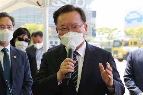 【バ韓国】金富謙国務総理、日韓関係を回復するには「日本の努力が必要」