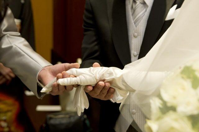 """解約料209万円を請求された新婚夫婦へ""""ある指摘""""が続出"""