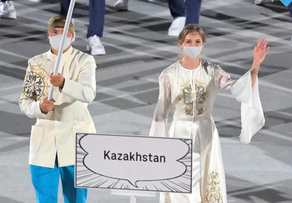 【東京五輪】開会式 カザフスタン旗手「女神すぎて見惚れちゃった」「美人すぎる」「ビビった」「めちゃシンデレラ」トレンド騒ぎ