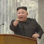 【北朝鮮】金正恩、こっそりコロナワクチンを接種したところ高熱と嘔吐の強い副反応か