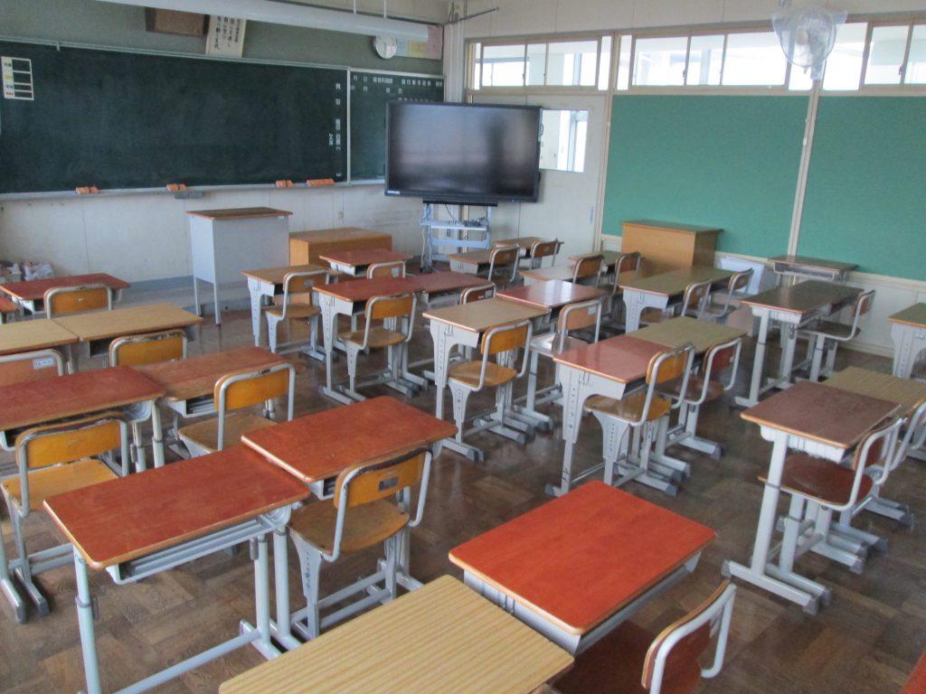 才能のある子も落ちこぼれそうな子も不幸にする「日本の義務教育」というシステム