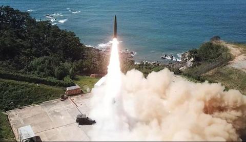 【悲報】韓国、クソデカミサイルを開発 各国「気でも狂った?」