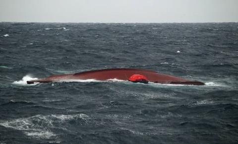 【大和堆付近転覆事故】日本海上保安庁、韓国漁船発見2時間後になって韓国側に通報